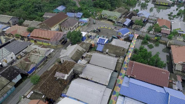 Desa Muara Hilir merupakan desa terkumuh di Kabupaten Kotabaru, Kalimantan Selatan, kini menjadi kampung percontohan untuk kebersihan. Sasaran selanjutnya adalah menjadikan kampung ini destinasi eco-wisata. Foto: Mubadala Petroleum