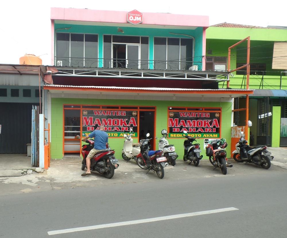 Warteg di daerah Jakarta Timur.