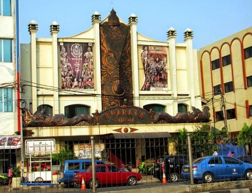 Daya Tarik Objek Wisata Wayang Orang Bharata di DKI Jakarta Pusat | Foto: @ihategreenjello.com
