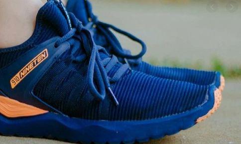 Sepatu 910.