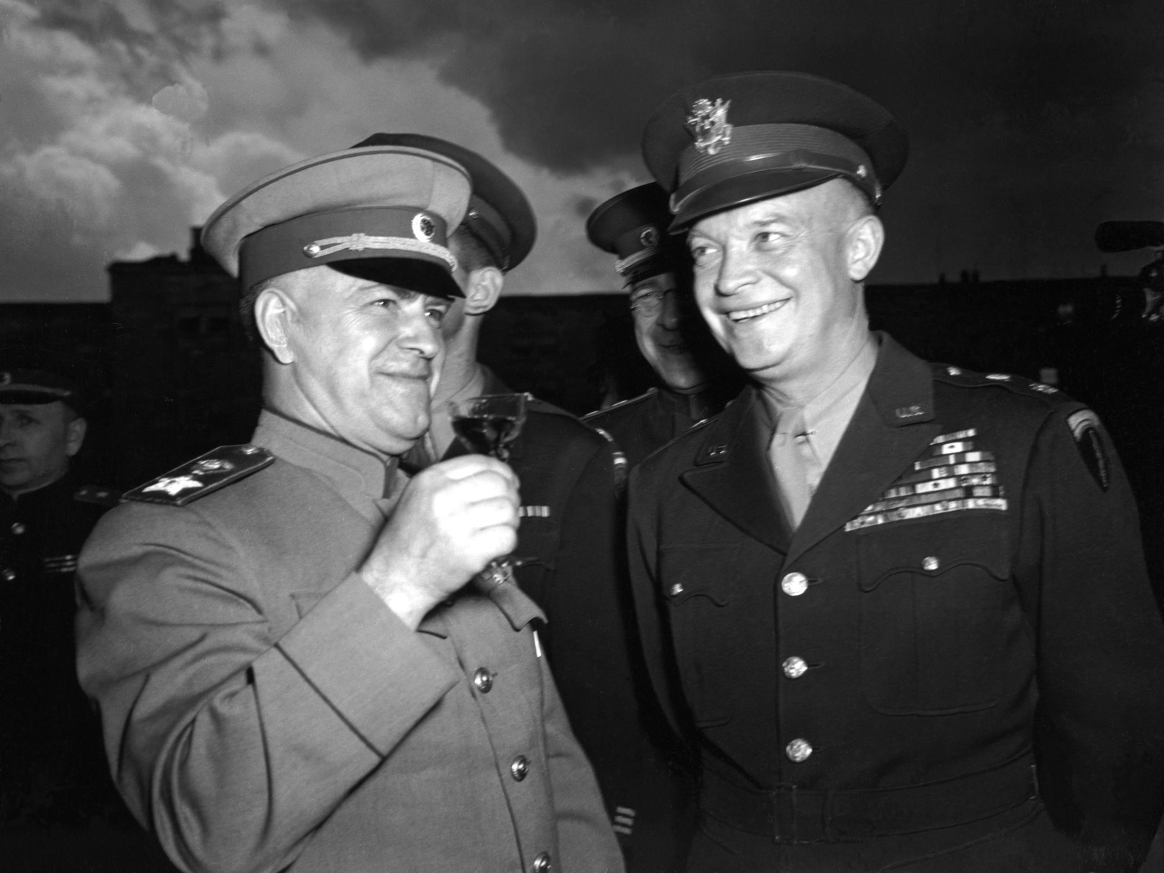 Eisenhower dan Zhukov   https://www.brookdalecc.edu/