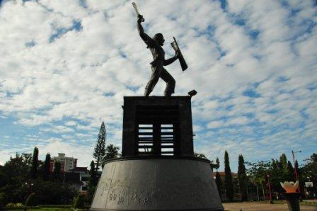Patung Pattimura di Kota Ambon, Maluku, pada 2013.
