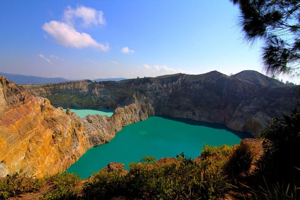 Danau Tiga Warna Gunung Kelimutu.