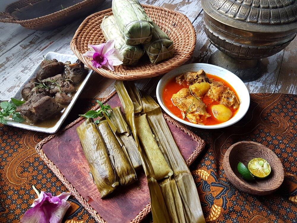 Burasa' makanan khas Warga Bugis dan Makassar saat Idul Fitri