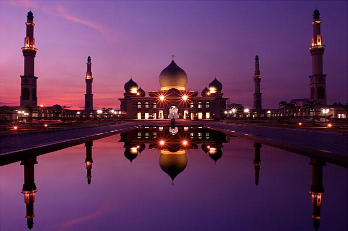 Keindahan Masjid An-Nur di malam hari, mirajnews.com