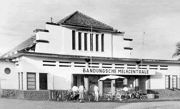 Bandoengsche Melk Centrale merupakan pusat susu masa kolonial yang terletak di Bandung, Jawa Barat. Kini gedung ini menjadi restoran yang terletak di Jl. Aceh no. 30.