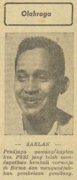 Kiper dan kapten timnas Indonesia, Maulwi Saelan.