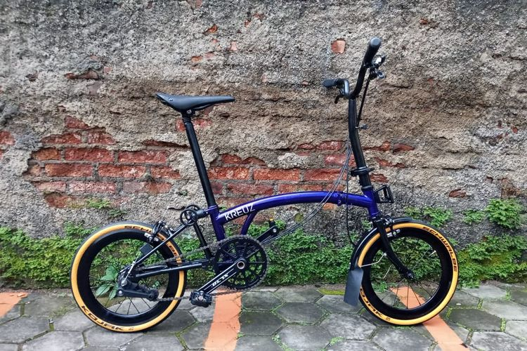 """Kreuz, Sepeda Brompton """"Made in Bandung"""" yang Laris Manis"""