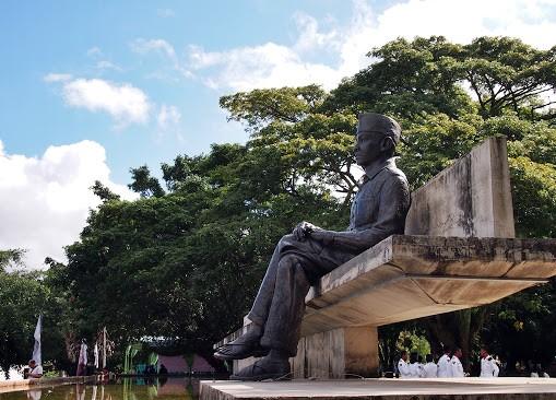 Patung Bung Karno di Taman Renungan Bung Karno, Ende, Flores