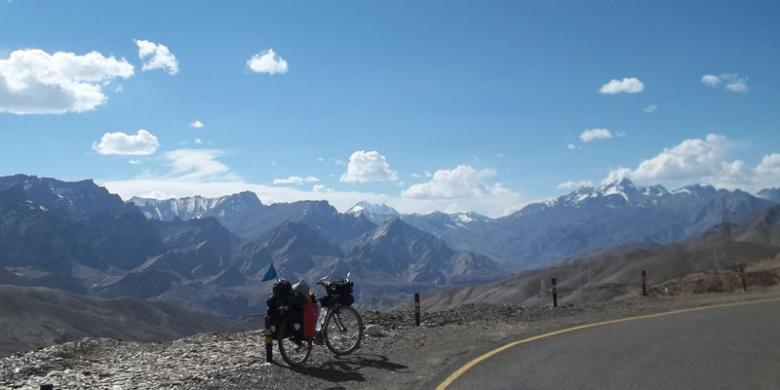 Pemandangan Pegunungan Himalaya.