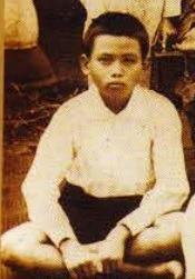 Potret Hoegeng semasa kecil.