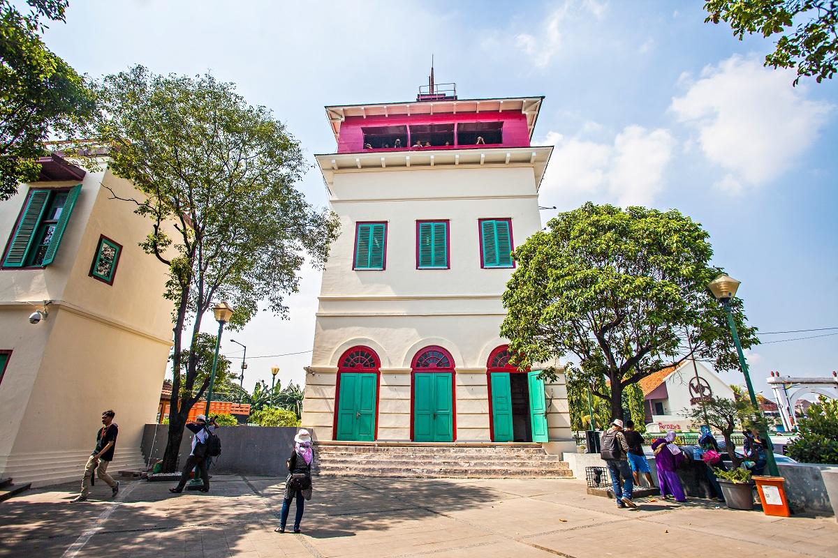Tak jauh dari Museum Bahari, Menara Syahbandar masih berdiri gagah pada 2015.