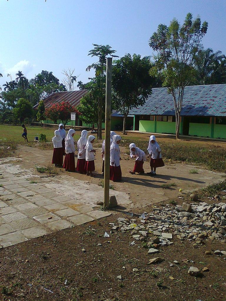 Murid SD di sebuah sekolah di pedesaan.