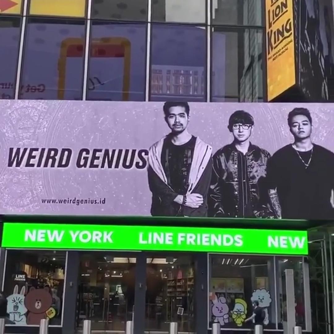 billboard times square