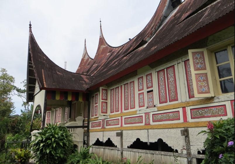 rumah gadang tradisional I id.wikipedia.org