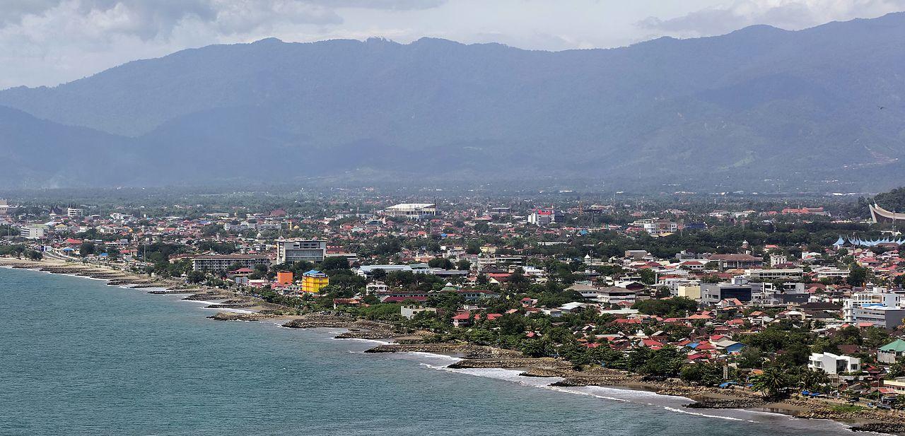 Daerah pesisi kota Padang pada 2017.
