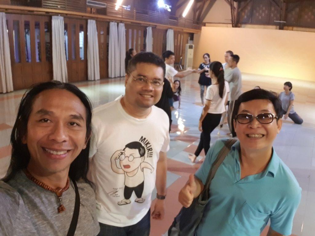 Dibal Ranuh bersama Ananda Sukarlan dan Chendra Panatan saat memenangkan Danc(E)motion Festival, Juli lalu