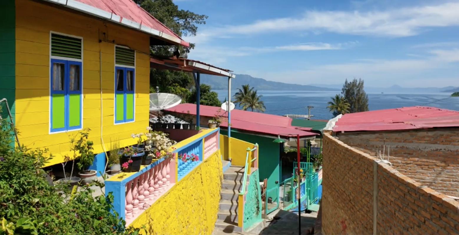 Kampung Warna-Warni Tigarihit | Foto: Shinrai26/YouTube