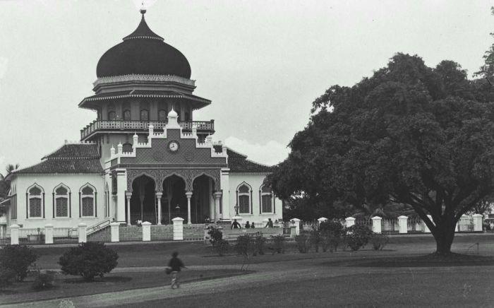 Masjid Raya Baiturrahman pada 1922-1923.