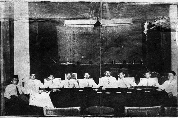 Foto memperlihatkan suasana Kongres Pemuda II di Batavia pada 1928.