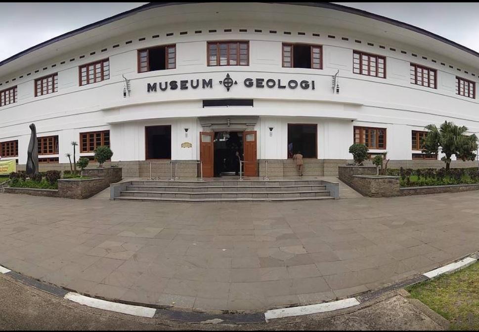 Museum Geologi Bandung © barayakita.ocm