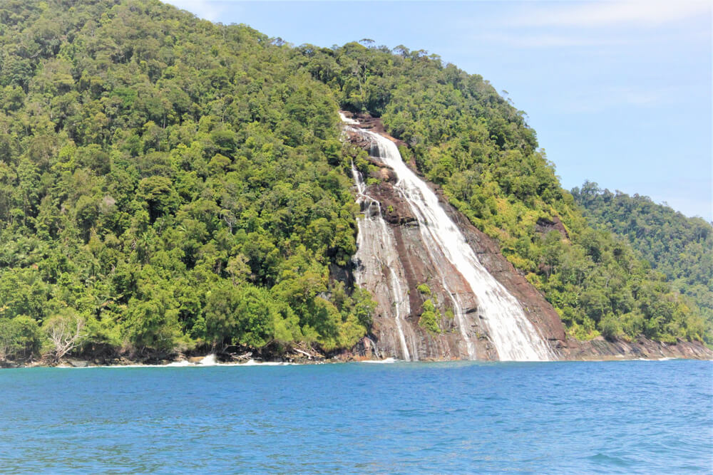 Air Terjun Pulau Mursala di Sibolga
