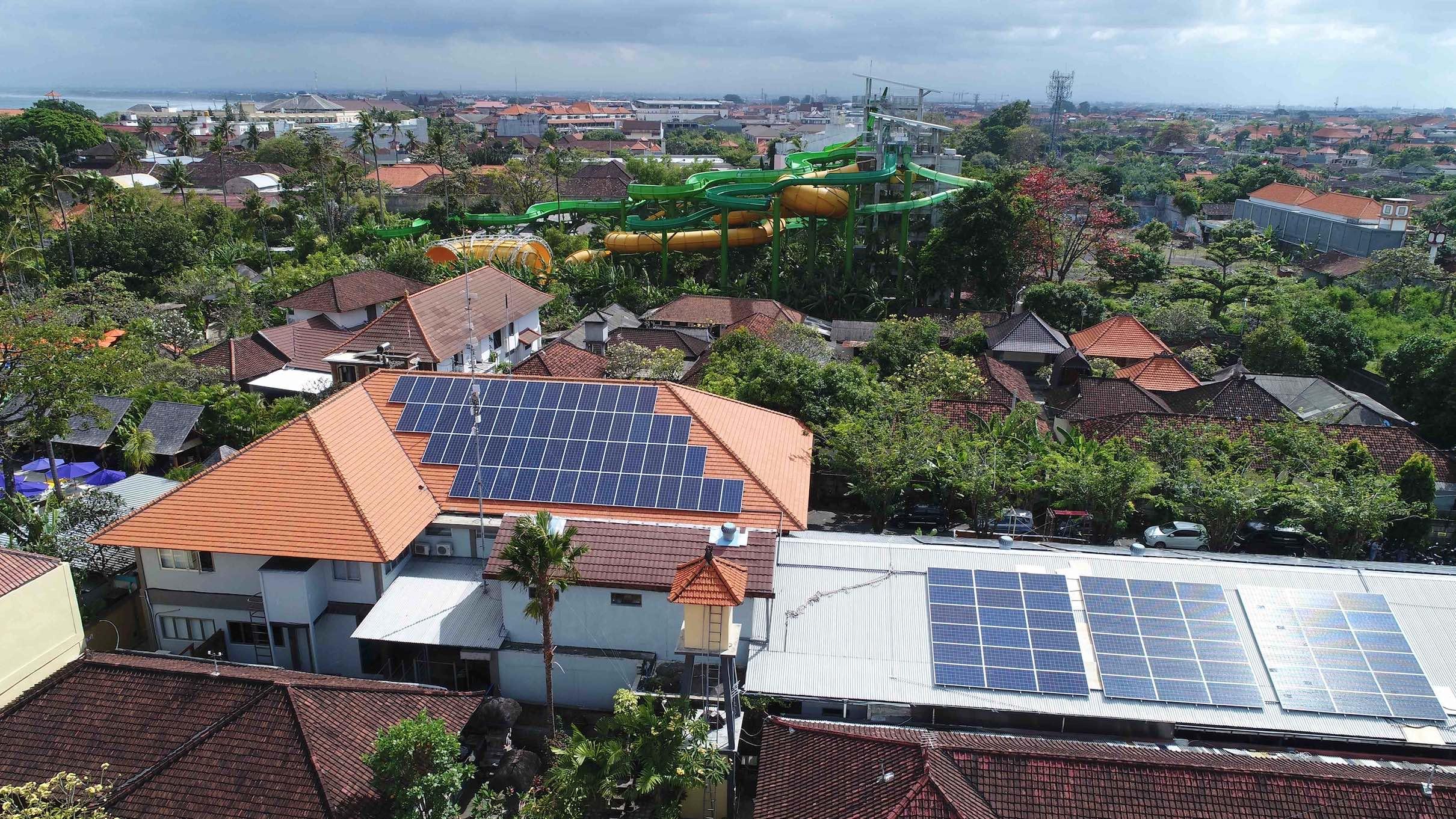 Salah satu bangunan di Bali yang menggunakan PLTS Atap | Foto: Dokumentasi Terregra Asia Energi