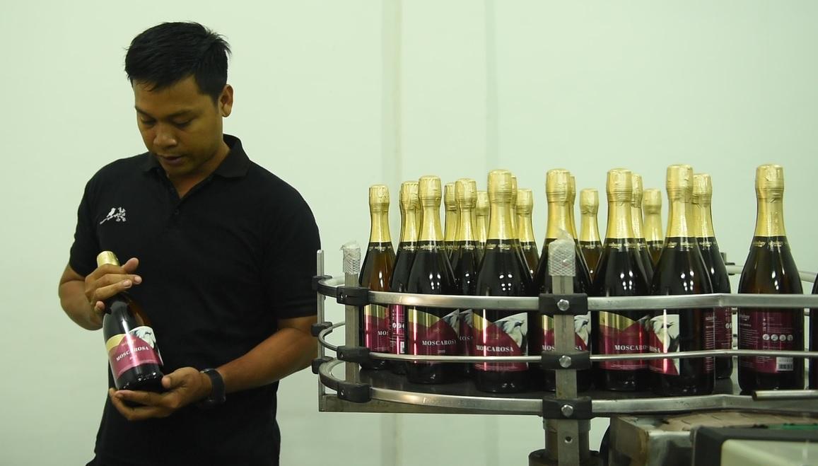 Pekerja di Sababay Winery Bali