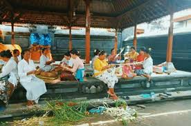 Tradisi Gotong Royong Ngayah di Bali ©desasedang.badungkab.go.id