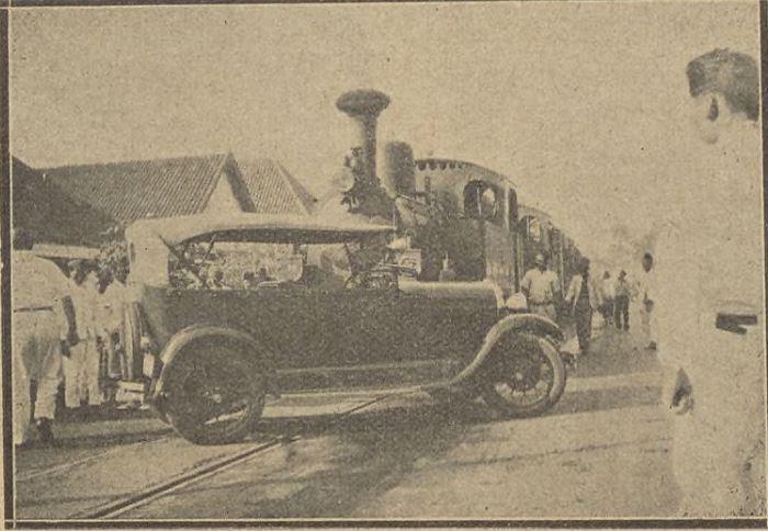 Trem Malang tabrakan.