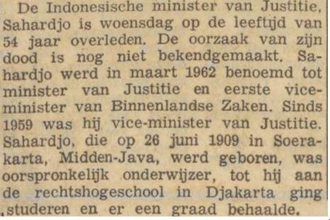 Artikel surat kabar berbahasa Belanda mengabarkan wafatnya Suharjo.