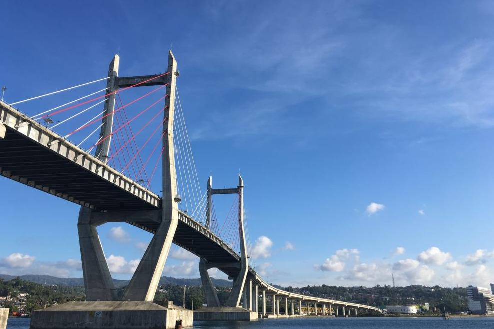 Jembatan merah putih merupakan jembatan terpanjang di Indonesia Timur.