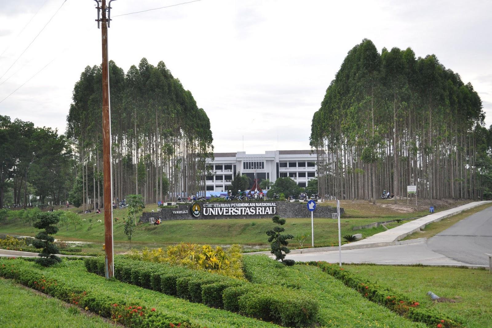 Halaman rektorat Universitas Riau