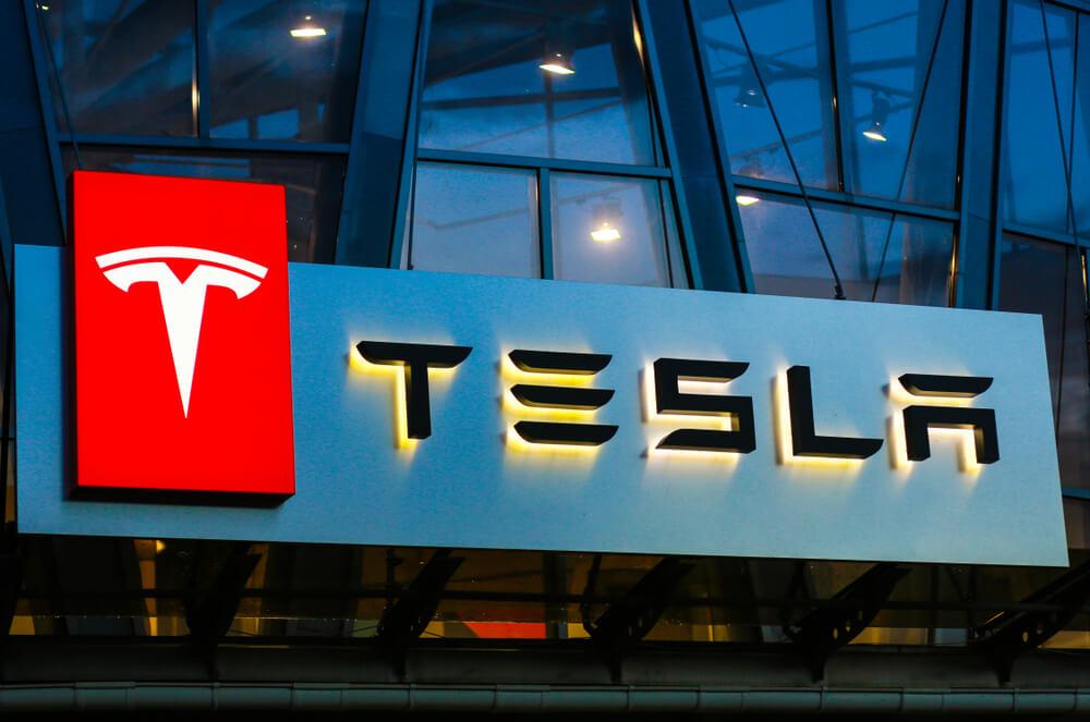 Elon Musk Kirim Tim Tesla ke Indonesia