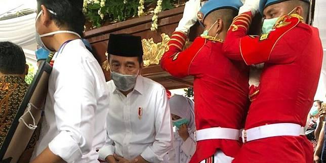 Presiden Joko Widodo melakukan Brobosan | Foto: Line Today