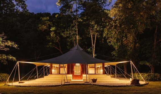 Glamping Amanwana Luxury Resort © aman.com