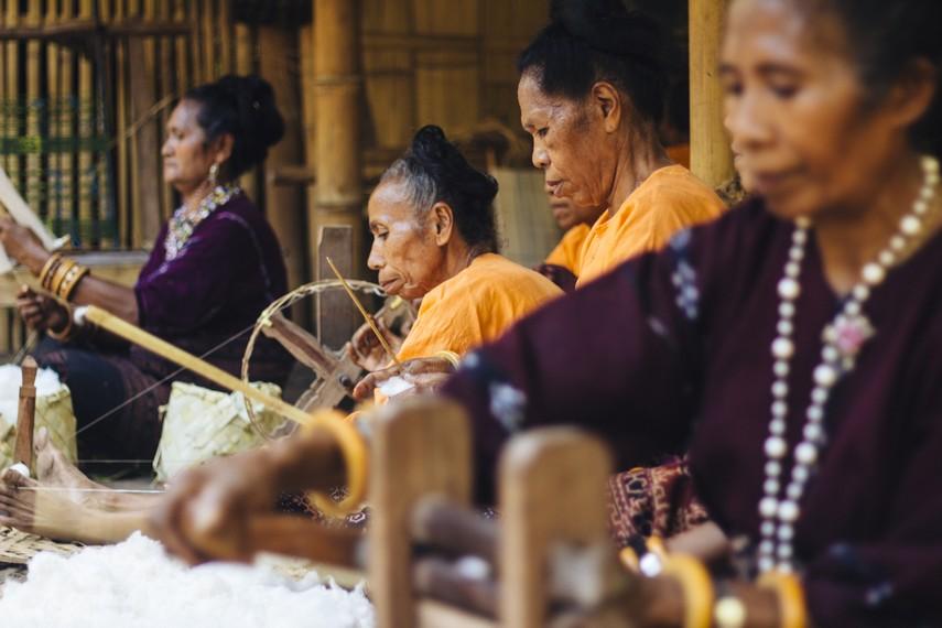 Seniwati, Para Penenun di Lepo Lorun © Indonesiakaya.com