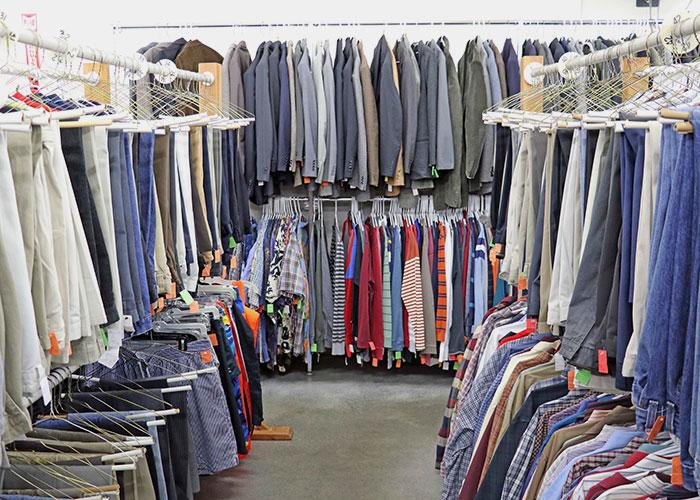 Toko pakaian bekas © Popular-world.com