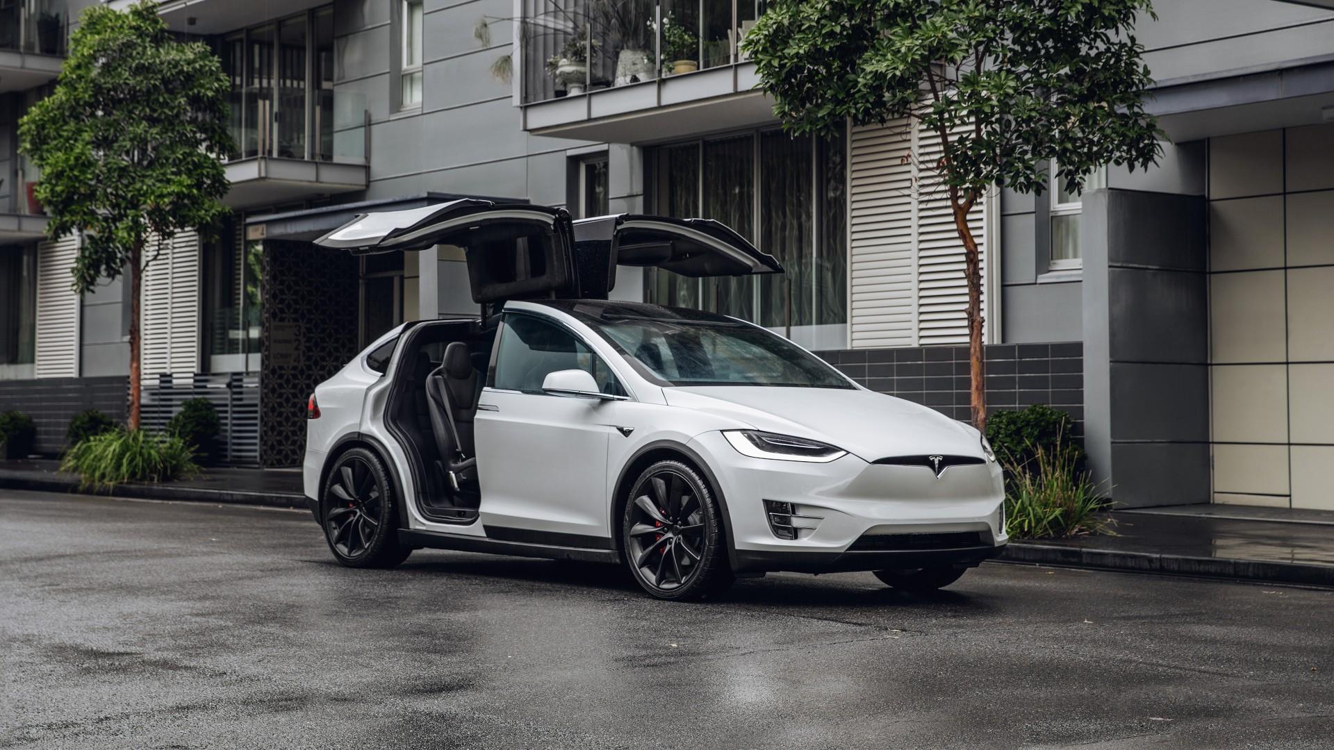 Tesla, ditunggu di indonesia   The Car Competition