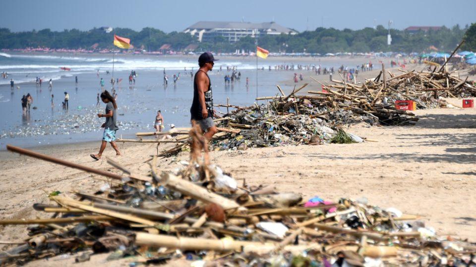 Sampah di Kuta Bali, gambar dari AFP
