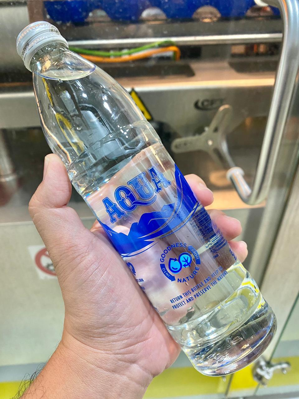 Botol kaca baru dari Aqua Danone