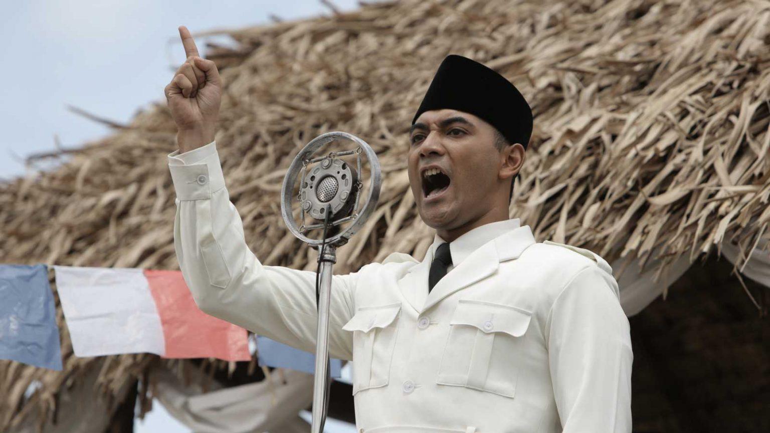 Ario Bayu dalam film Soekarno © Cinemapoetica.com