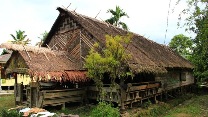 rumah panjang uma   foto: merahputih.com