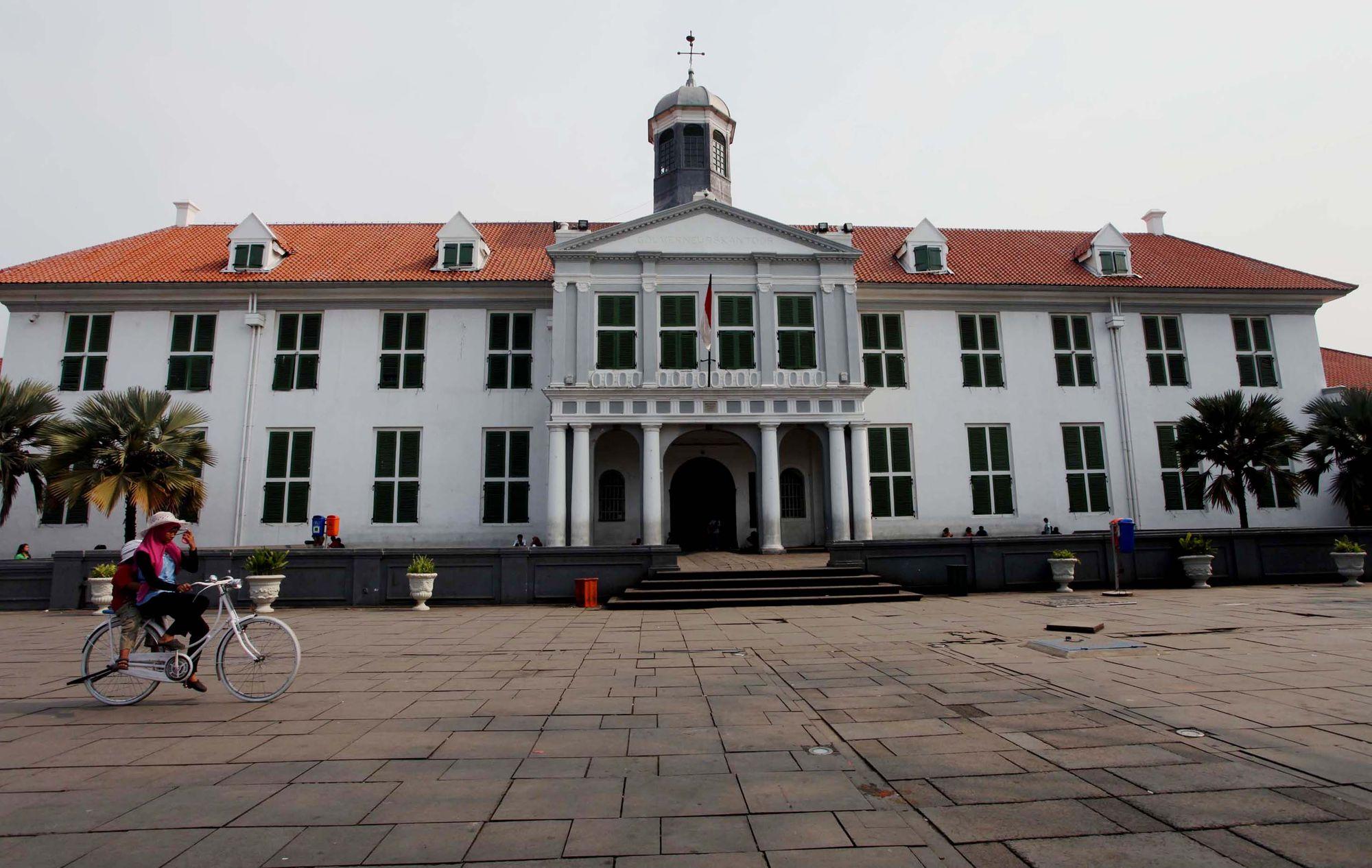 Wisata Sejarah Kota Tua