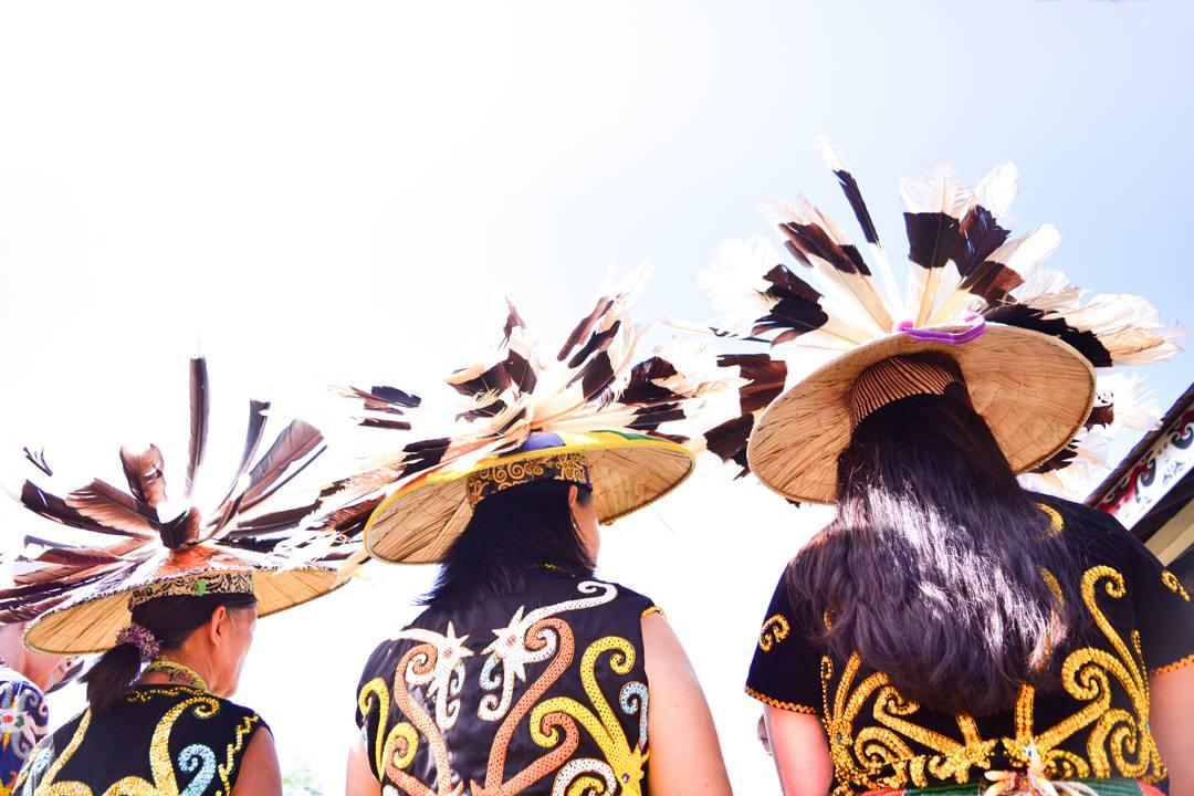 Penari Dayak   Foto: Agunk Prabowo (flickr.com)