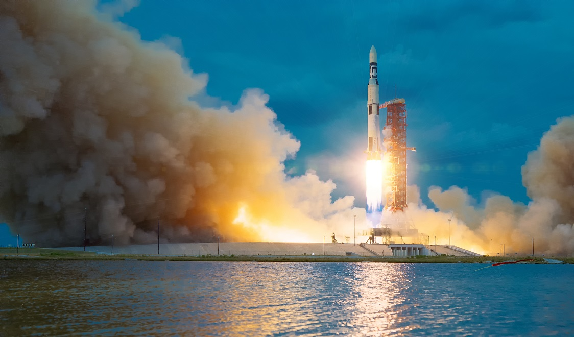 Peluncuran roket oleh NASA.