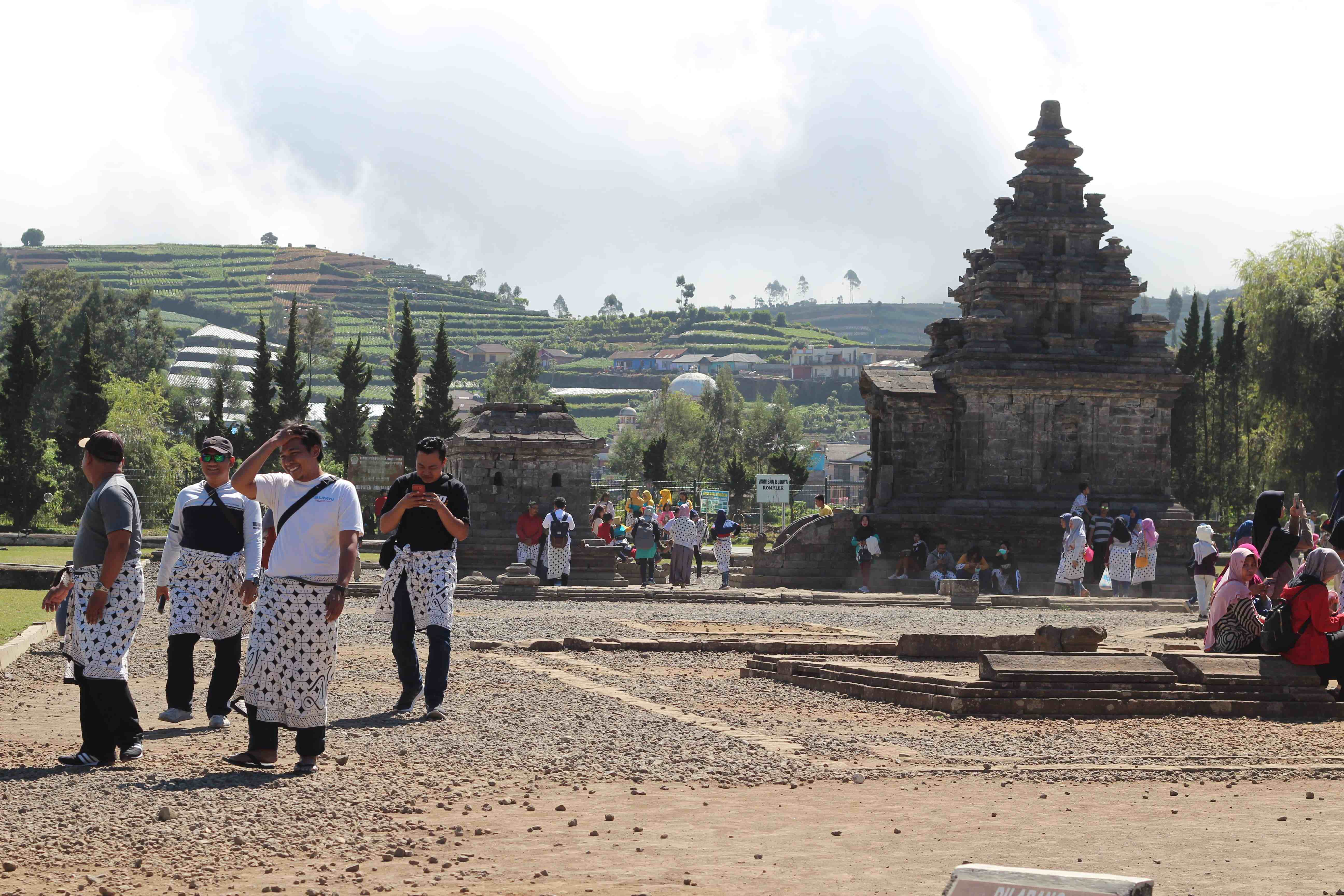 Kawasan wisata Candi Arjuna Dieng merupakan peninggalan kerajaan Hindu Budha tempo dulu