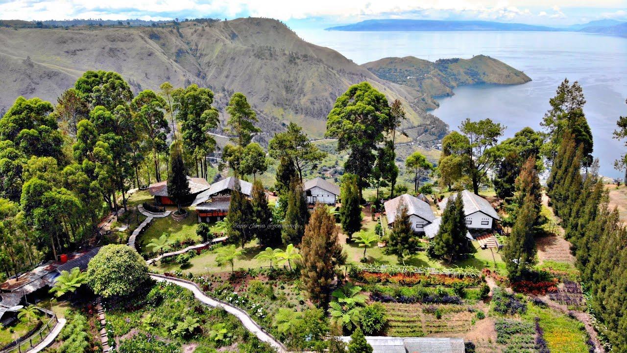 Pemandangan Sapo Juma dari atas | Foto: Youtube Go Adventure Indonesia