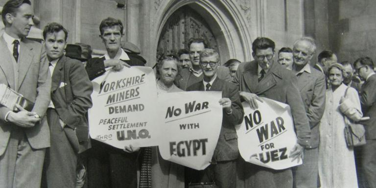 Demo anti perang Suez di Inggris | National Army Museum