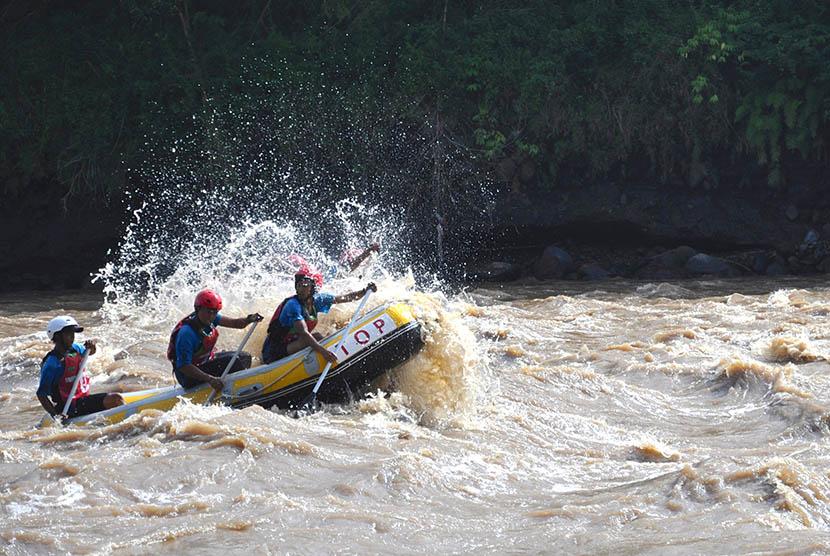 Rafting Geopark Merangin   Foto: Tagor Siagian